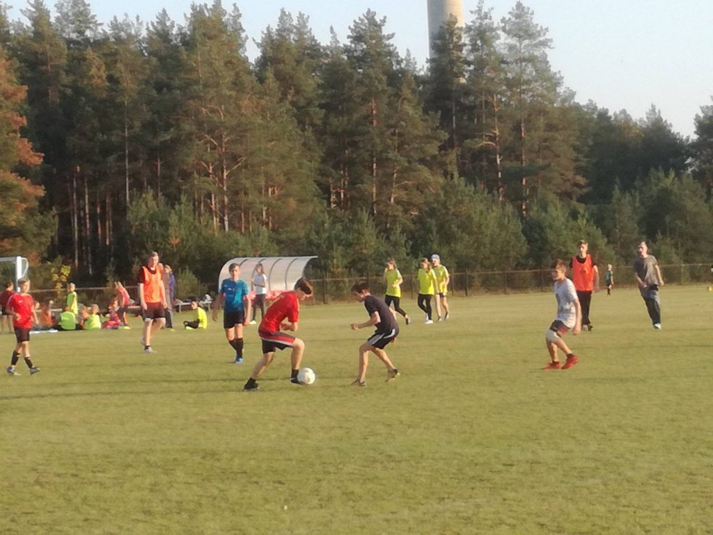 Read more about the article Lazdijų ir Druskininkų savivaldybių jaunųjų futbolininkų varžybos