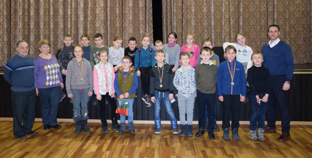 Read more about the article Jaunieji šachmatininkai užbaigė turnyrą!
